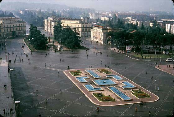 Tirana anni 80